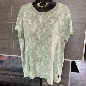 RVCA Tops - RVCA T-shirt